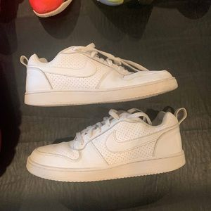 Nike Court Borough Low size 8 Triple White